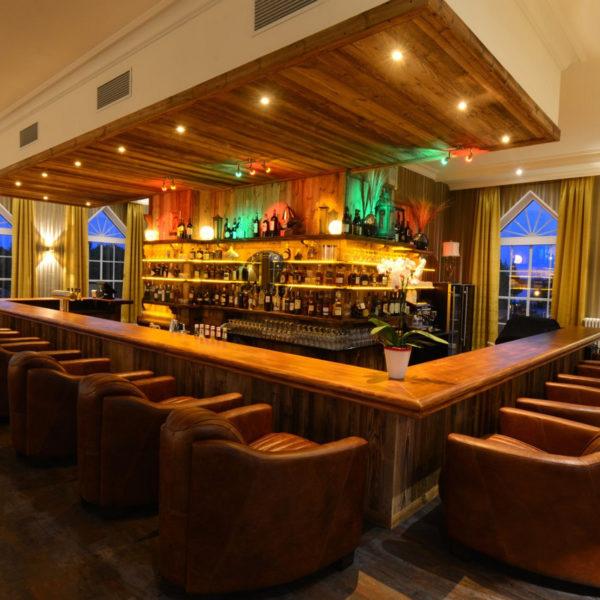 Bar im großen Schlosssaal