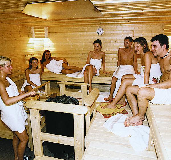 Gruppe in der Sauna