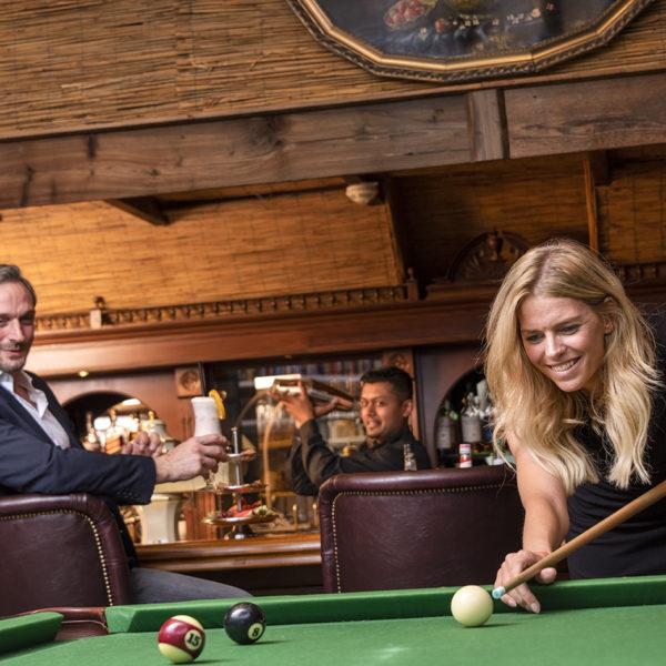 Billiard in der Bar Lounge