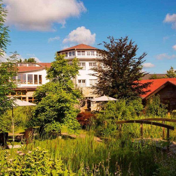 Wellnessgarten mit Ayurvedapavillon